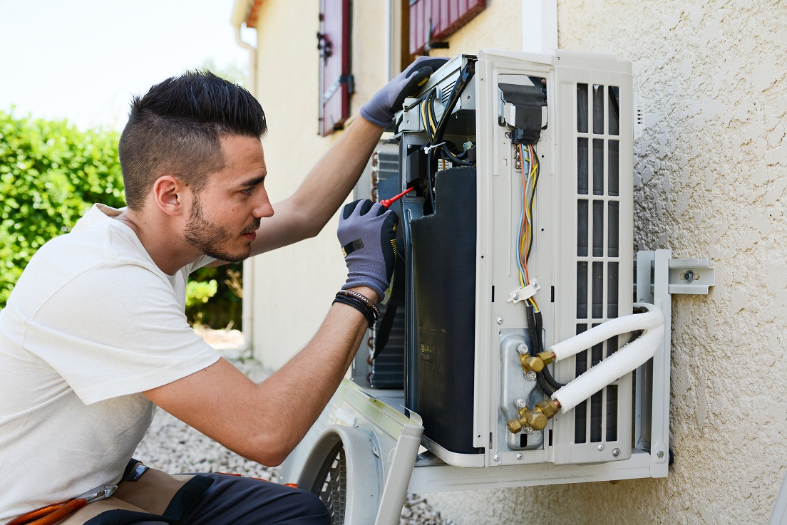 Why You Should Have Your Air Conditioning Repaired By A Qualified Technician